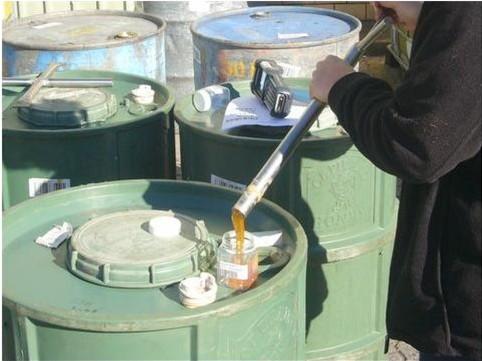 40-gallon plastic drums